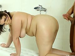 Plumperd.com shower fuck session with fatty